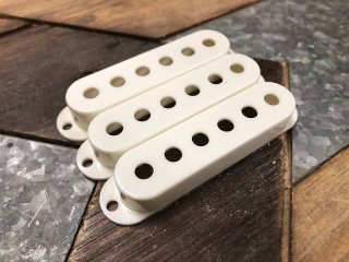 Tricked Out Guitar pickup covers for Fender Strat Parchment set of 3 送料無料