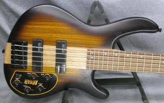Cort C4 Plus 4 String Bass ギター