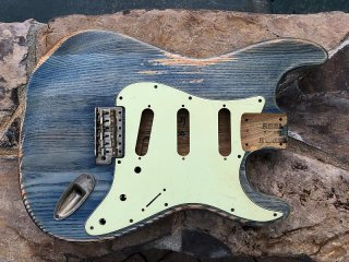 Real Life Relics Strat Stratocaster Body Aged Faded Blue Jeans Nitro Lacquer Finish Swamp Ash 送料無料