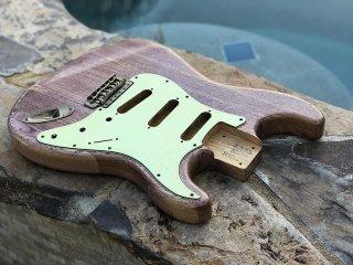 Real Life Relics Strat Stratocaster Body Aged Faded Purple Denim Nitro Lacquer Finish Swamp Ash 送料無料