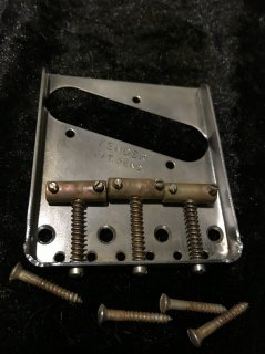 Fenderフェンダー純正 Fender Vintage 3-Saddle Tele Bridge Relic 0990806100送料無料