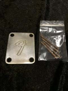 Fender フェンダー純正 4-BOLT '70S VINTAGE-STYLE F LOGO NECK PLATE Relic 0991448100 送料無料
