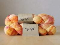 【Lichen and Lace】<br>1ply Superwash Merino Fingering<br>day lily