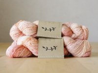 【Lichen and Lace】<br>1ply Superwash Merino Fingering<br>faded rose