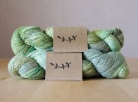 【Lichen and Lace】<br>1ply Superwash Merino Fingering<br>lichen