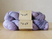 【Lichen and Lace】<br>1ply Superwash Merino Fingering<br>lilac