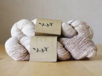 【Lichen and Lace】<br>1ply Superwash Merino Fingering<br>linen