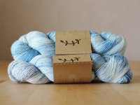 【Lichen and Lace】<br>1ply Superwash Merino Fingering<br>rainy day