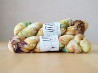 【LIFE IN THE LONGGRASS】<br>Singles Sock 1ply<br>CHRYSALIS