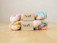 【Lichen and Lace】<br>1ply Superwash Merino Fingering<br>i see seashells