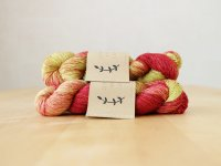 【Lichen and Lace】<br>1ply Superwash Merino Fingering<br>rhubarb