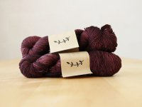 【Lichen and Lace】<br>1ply Superwash Merino Fingering<br>rosewood