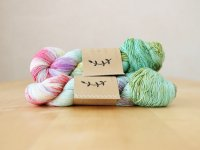 【Lichen and Lace】<br>1ply Superwash Merino Fingering<br>wild flowers