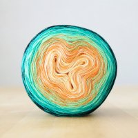 【Jolly knits】<br>Gradient Yarn Merino 3PLY(1000m)<br>CARNIVAL IN RIO