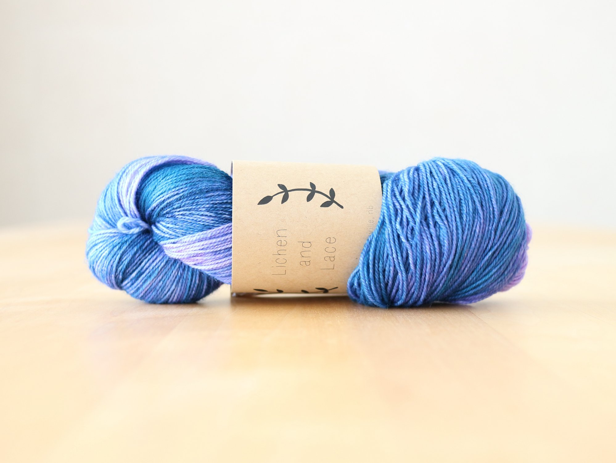 【Lichen and Lace】<br>80/20 Sock<br>blue lagoon