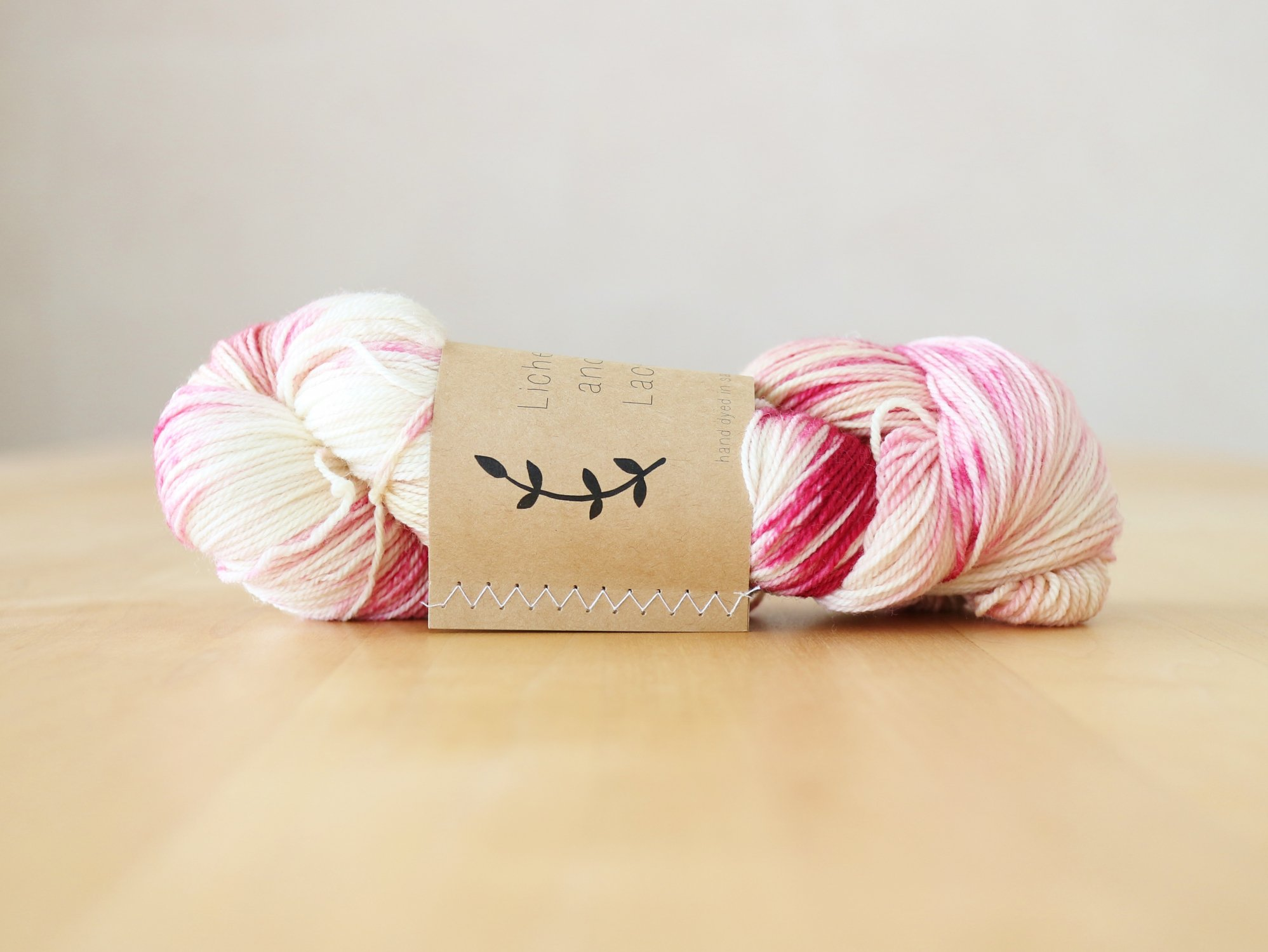 【Lichen and Lace】<br>80/20 Sock<br>orchid