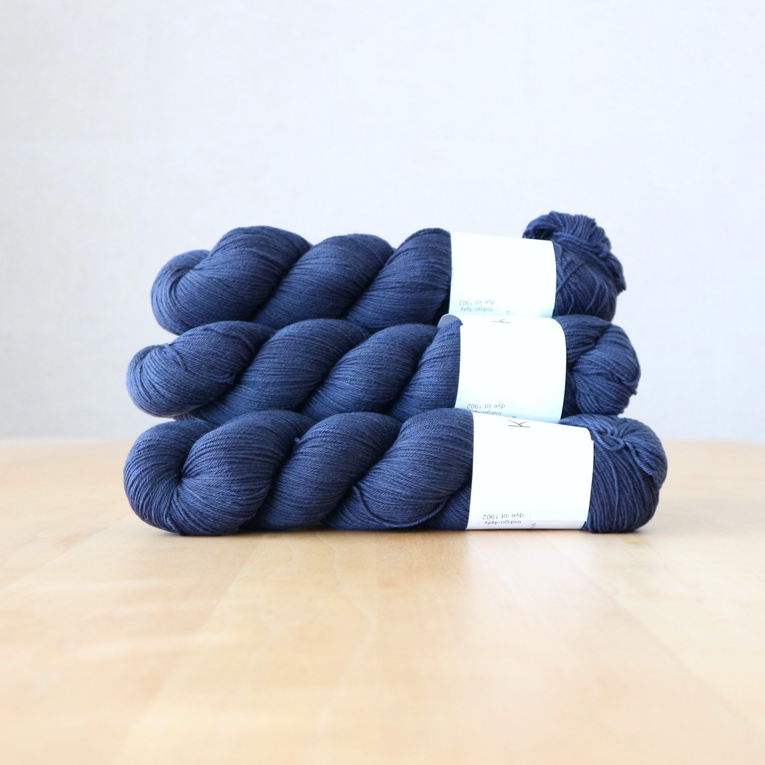 【KOKON yarn】<br>INDIGO Fingering<br>Semi Solid