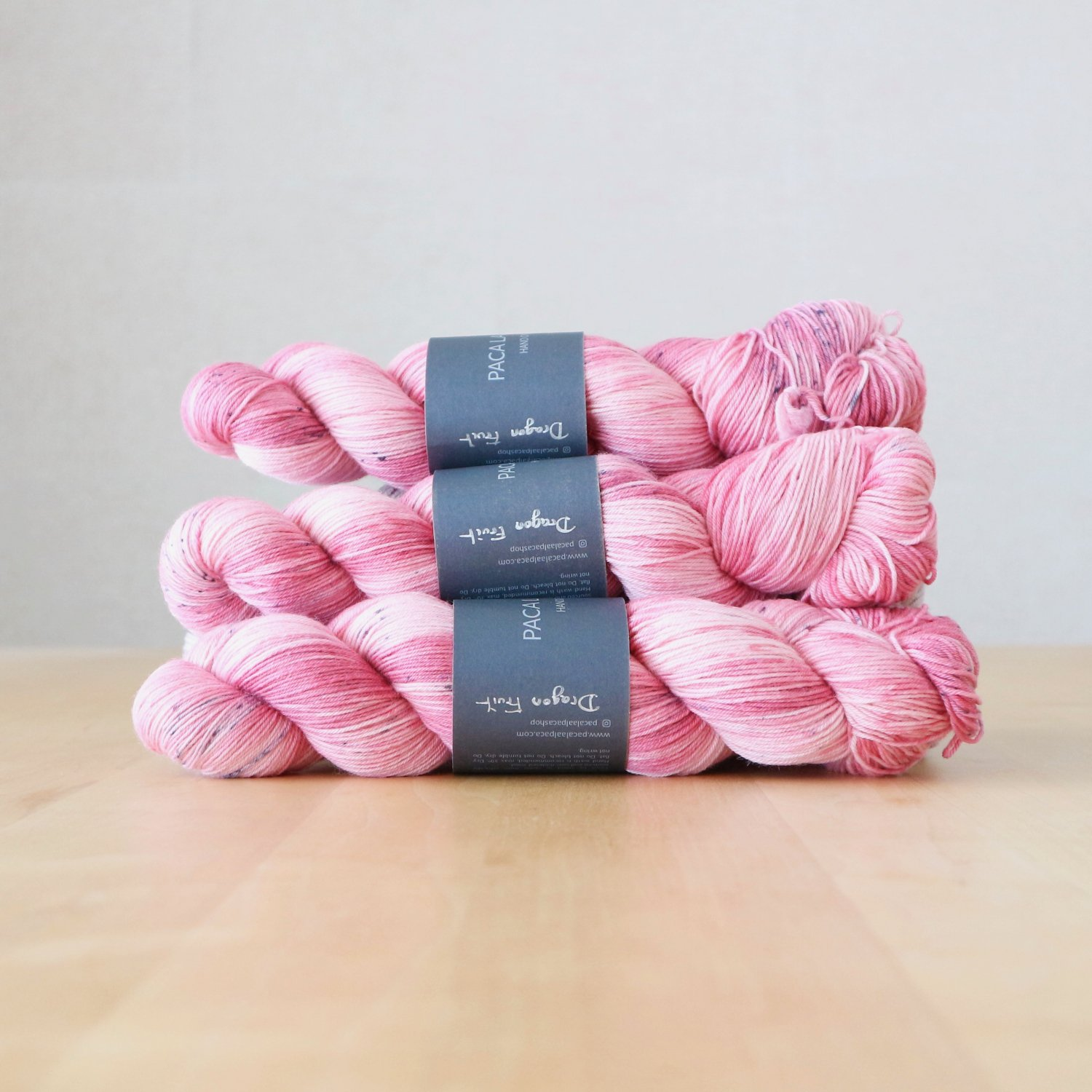 【Paca La Alpaca】<br>Superwash Merino Sock 4Ply<br>Dragon Fruit