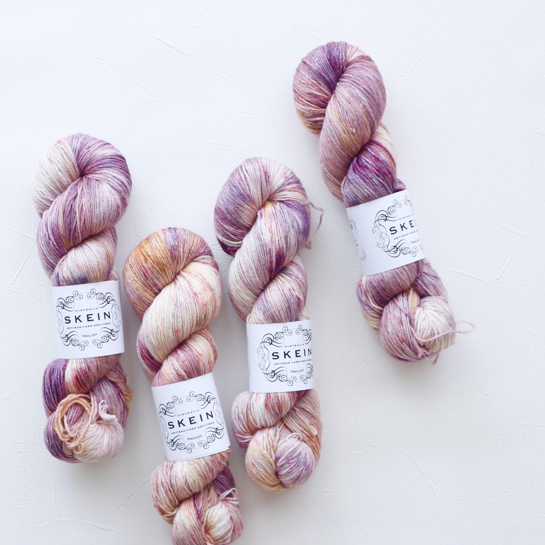 【Skein Yarn】<br>Merino Cashmere Fingering<br>Urbanite