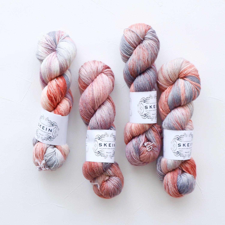 【Skein Yarn】<br>Merino Cashmere Fingering<br>Silver Rose