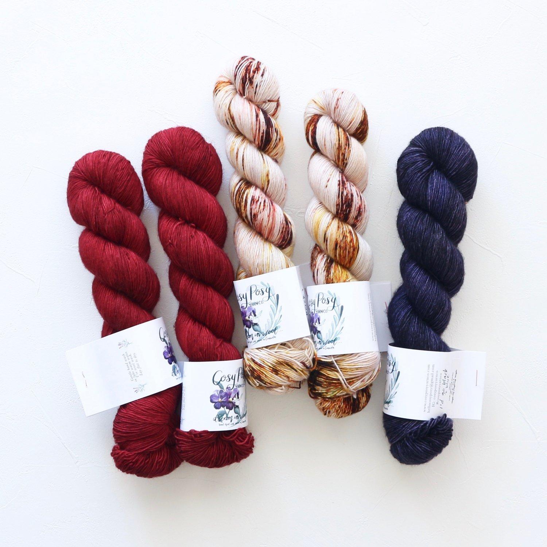 【「Ember Sweater」色合わせセット】<br>Cosy Posy Yarn CLOUD<br>Gセット(長袖 S/Mサイズ)