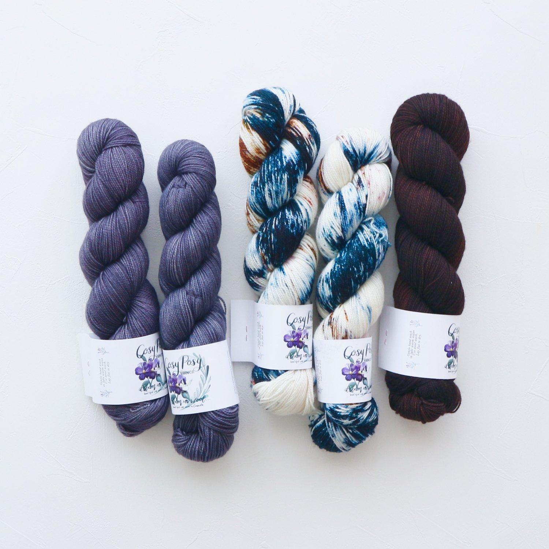 【「Ember Sweater」色合わせセット】<br>Cosy Posy Yarn SOFT & COSY<br>エスプレッソ Iセット(長袖 S/Mサイズ)