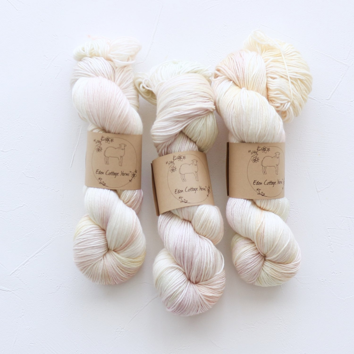 【Eden Cottage Yarns】<br>Titus 4ply<br>Spring Bulbs
