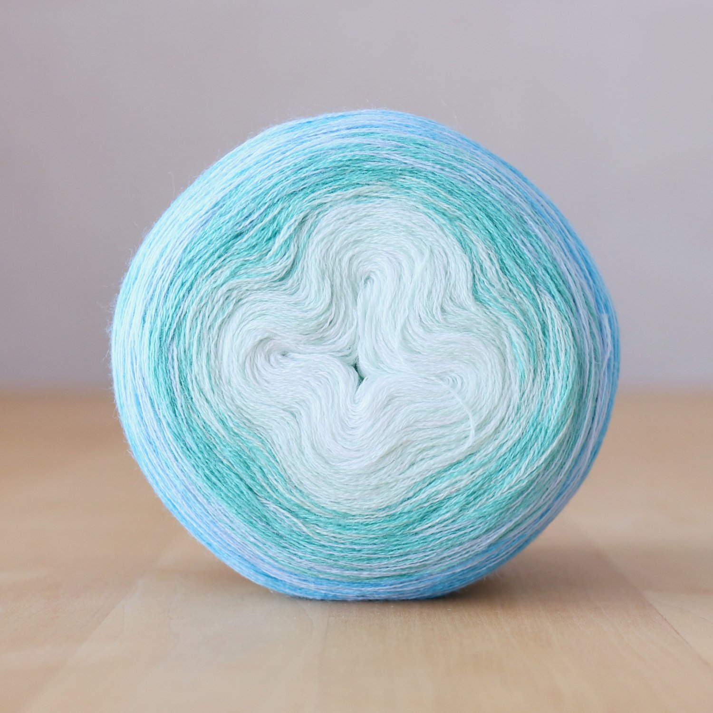 【Jolly knits】<br>Gradient Yarn Merino 3PLY(1000m)<br>SEA BREEZE