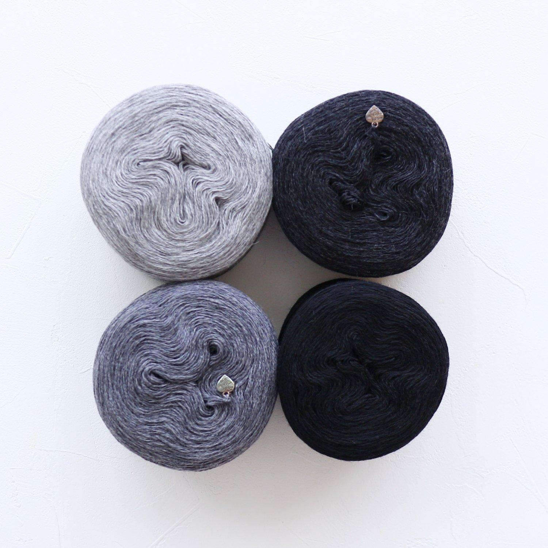 【Jolly knits】<br>Gradient Yarn Merino 3PLY(500m × 4色)<br>【モノクロB】