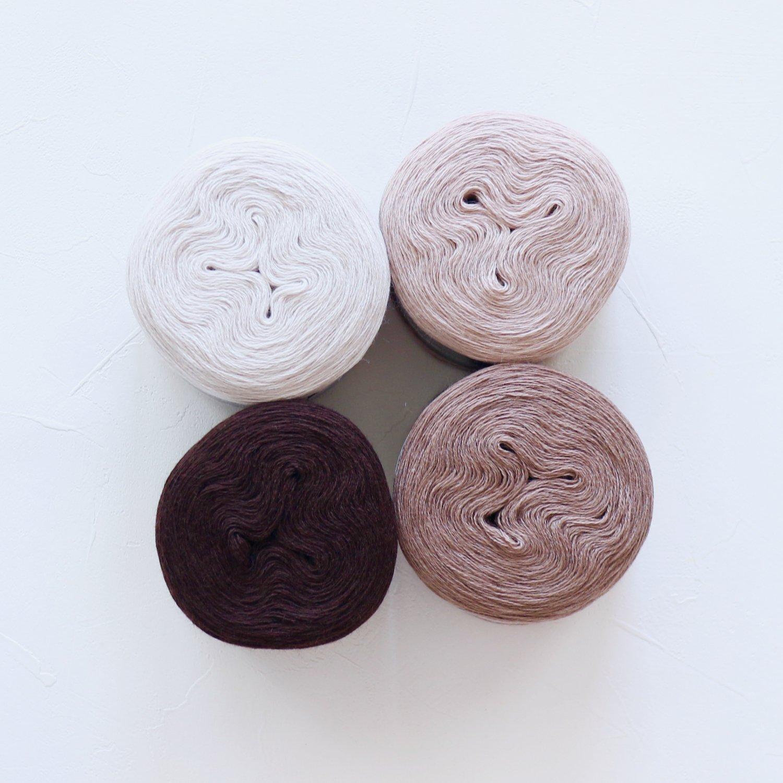 【Jolly knits】<br>Gradient Yarn Merino 3PLY(500m × 4色)<br>【ブラウン】