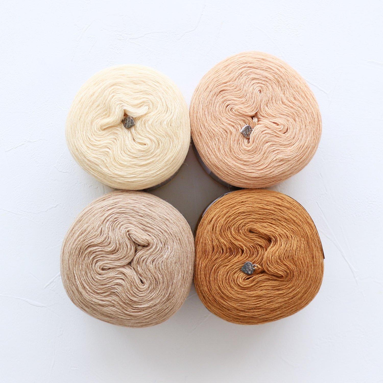 【Jolly knits】<br>Gradient Yarn Merino 3PLY(500m × 4色)<br>【オレンジA】