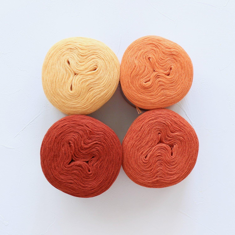 【Jolly knits】<br>Gradient Yarn Merino 3PLY(500m × 4色)<br>【オレンジB】
