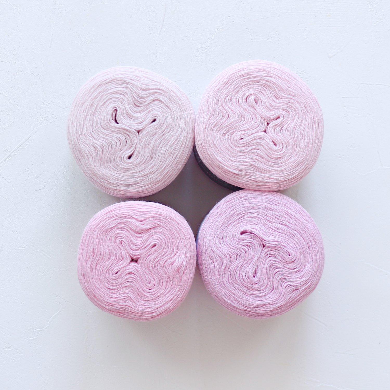 【Jolly knits】<br>Gradient Yarn Merino 3PLY(500m × 4色)<br>【ピンクA】