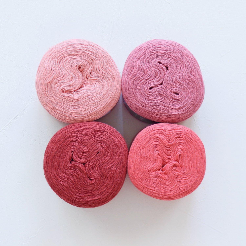 【Jolly knits】<br>Gradient Yarn Merino 3PLY(500m × 4色)<br>【ピンクB】