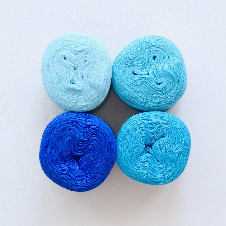 【Jolly knits】<br>Gradient Yarn Merino 3PLY(500m × 4色)<br>【ブルーB】
