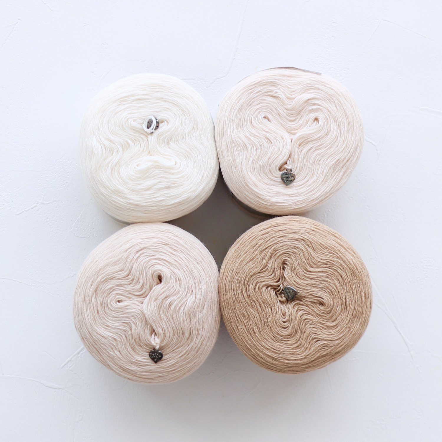 【Jolly knits】<br>Gradient Yarn Merino 3PLY(500m × 4色)<br>【ベージュ】
