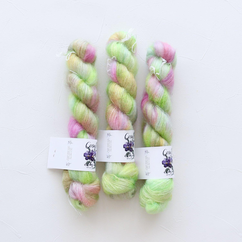 【Cosy Posy Yarn】<br>FLOOF<br>Sassy