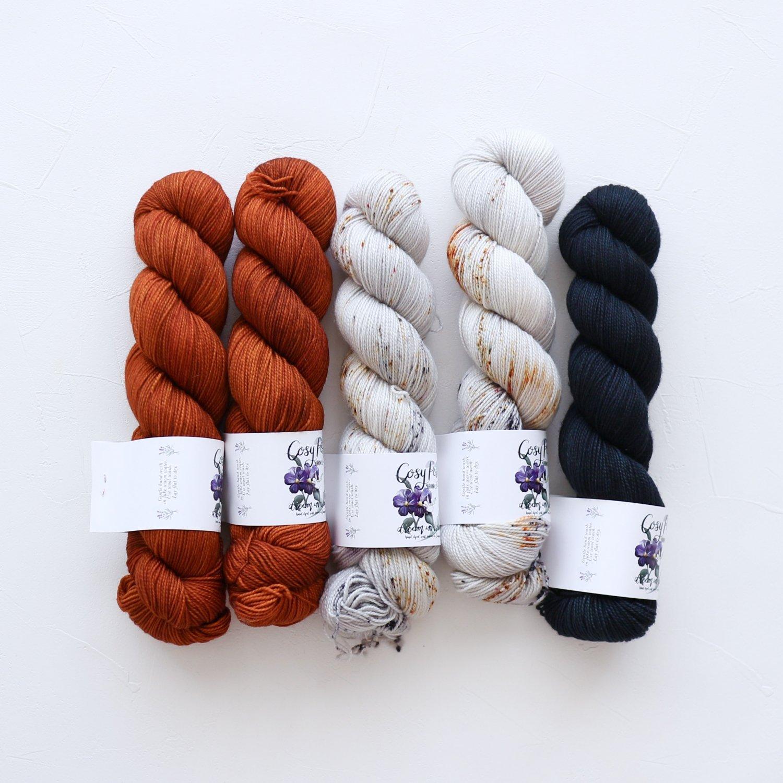 【「Ember Sweater」色合わせセット】<br>Cosy Posy Yarn SOFT & COSY<br>Jセット(長袖 S/Mサイズサイズ)