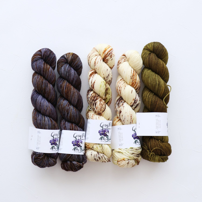 【「Ember Sweater」色合わせセット】<br>Cosy Posy Yarn SOFT & COSY<br>Kセット(長袖 S/Mサイズサイズ)