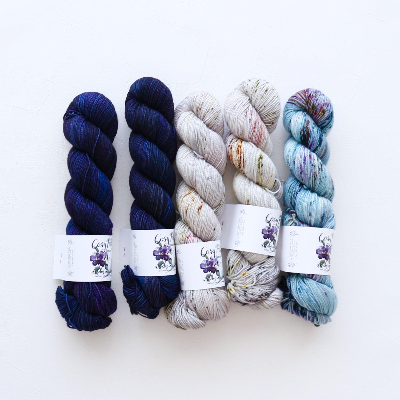 【「Ember Sweater」色合わせセット】<br>Cosy Posy Yarn SOFT & COSY<br>Lセット(長袖 S/Mサイズサイズ)