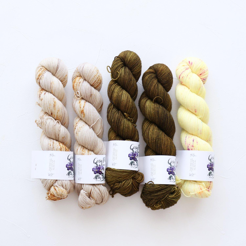 【「Ember Sweater」色合わせセット】<br>Cosy Posy Yarn SOFT & COSY<br>Oセット(長袖 S/Mサイズサイズ)