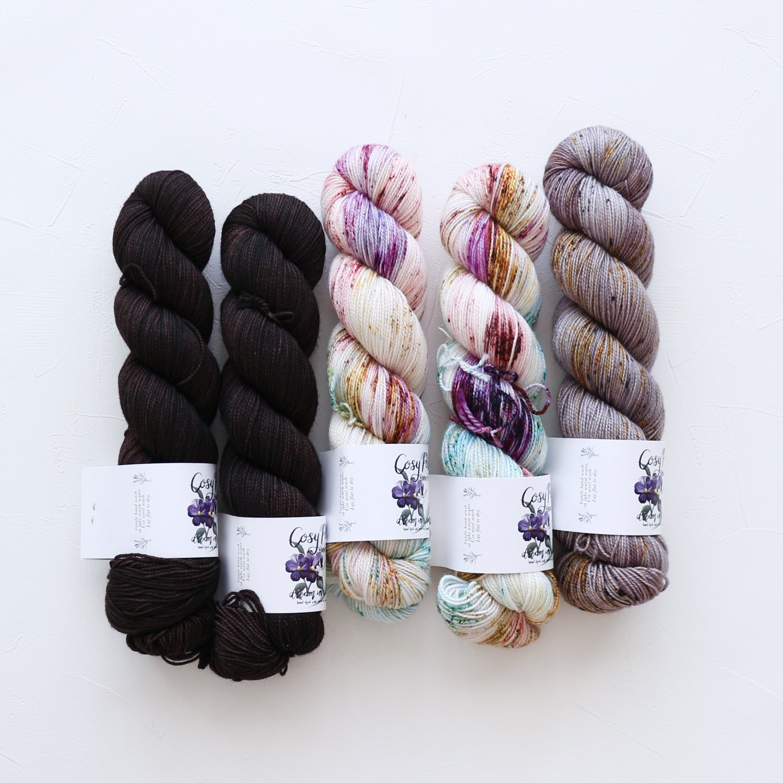 【「Ember Sweater」色合わせセット】<br>Cosy Posy Yarn SOFT & COSY<br>Pセット(長袖 S/Mサイズサイズ)