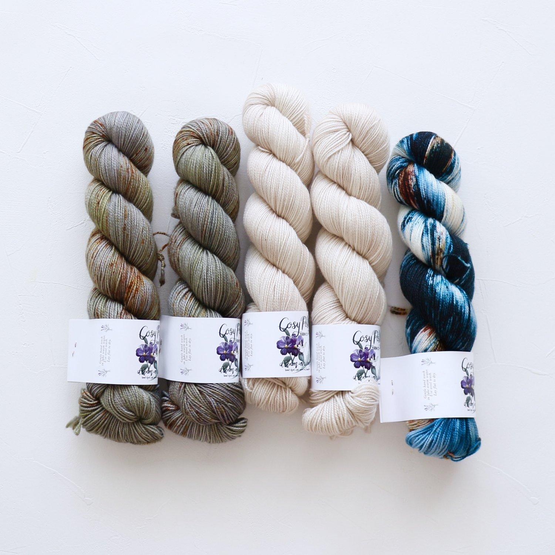 【「Ember Sweater」色合わせセット】<br>Cosy Posy Yarn SOFT & COSY<br>Rセット(長袖 S/Mサイズサイズ)