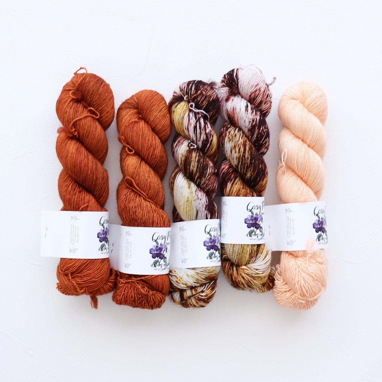 【「Ember Sweater」色合わせセット】<br>Cosy Posy Yarn CLOUD<br>【3】(長袖 S/Mサイズサイズ)