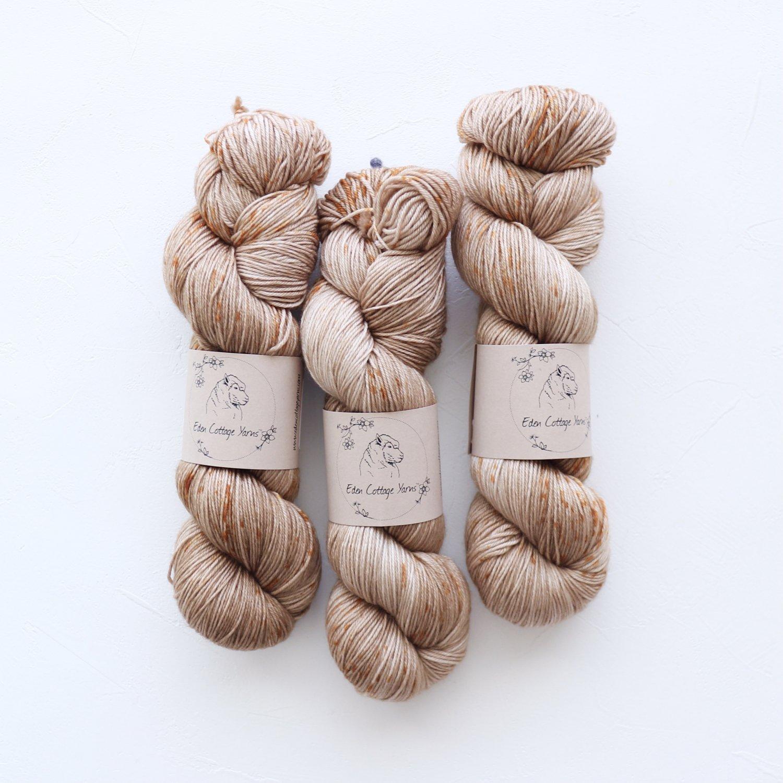 【Eden Cottage Yarns】<br>Pendle 4ply<br>Pumpkin Seeds