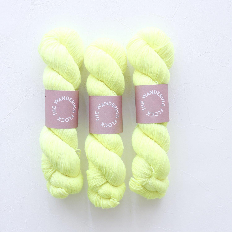 【TheWanderingFlock】<br>Merino Nylon Sock Yarn<br>YOLLO