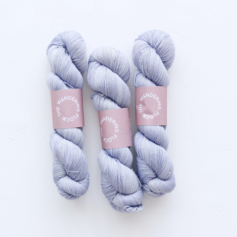 【TheWanderingFlock】<br>Merino Nylon Sock Yarn<br>BLUE STEEL