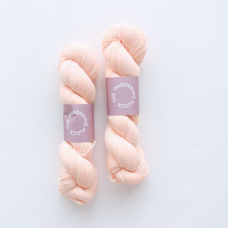【TheWanderingFlock】<br>Merino Nylon Sock Yarn<br>PEACH POP