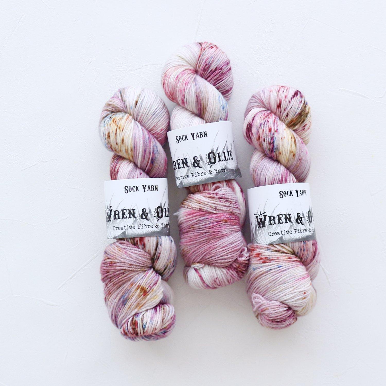 【Wren & Ollie】<br>Sock Yarn<br>Smitten Kitten