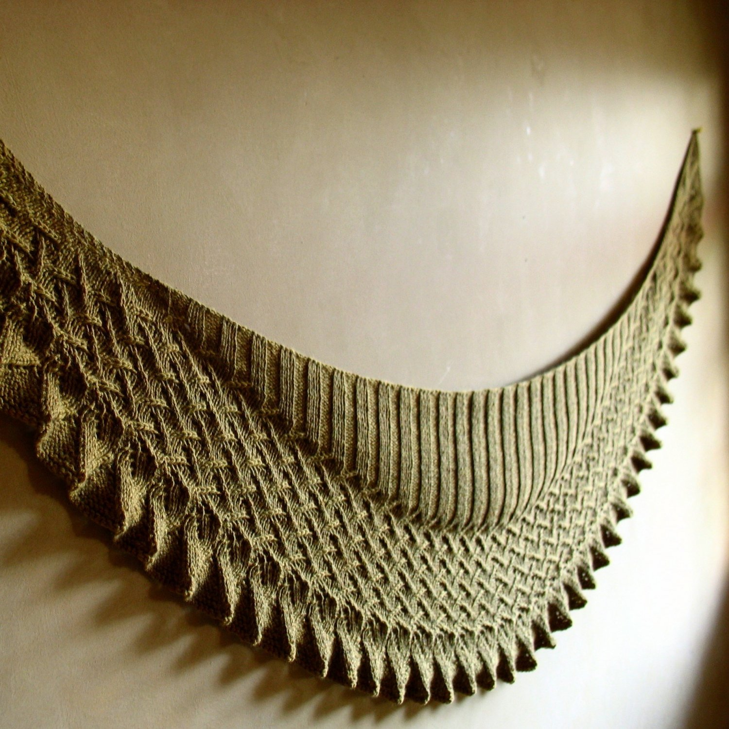 【PDF】Lin-Lin Shawl by Yoko Johnston
